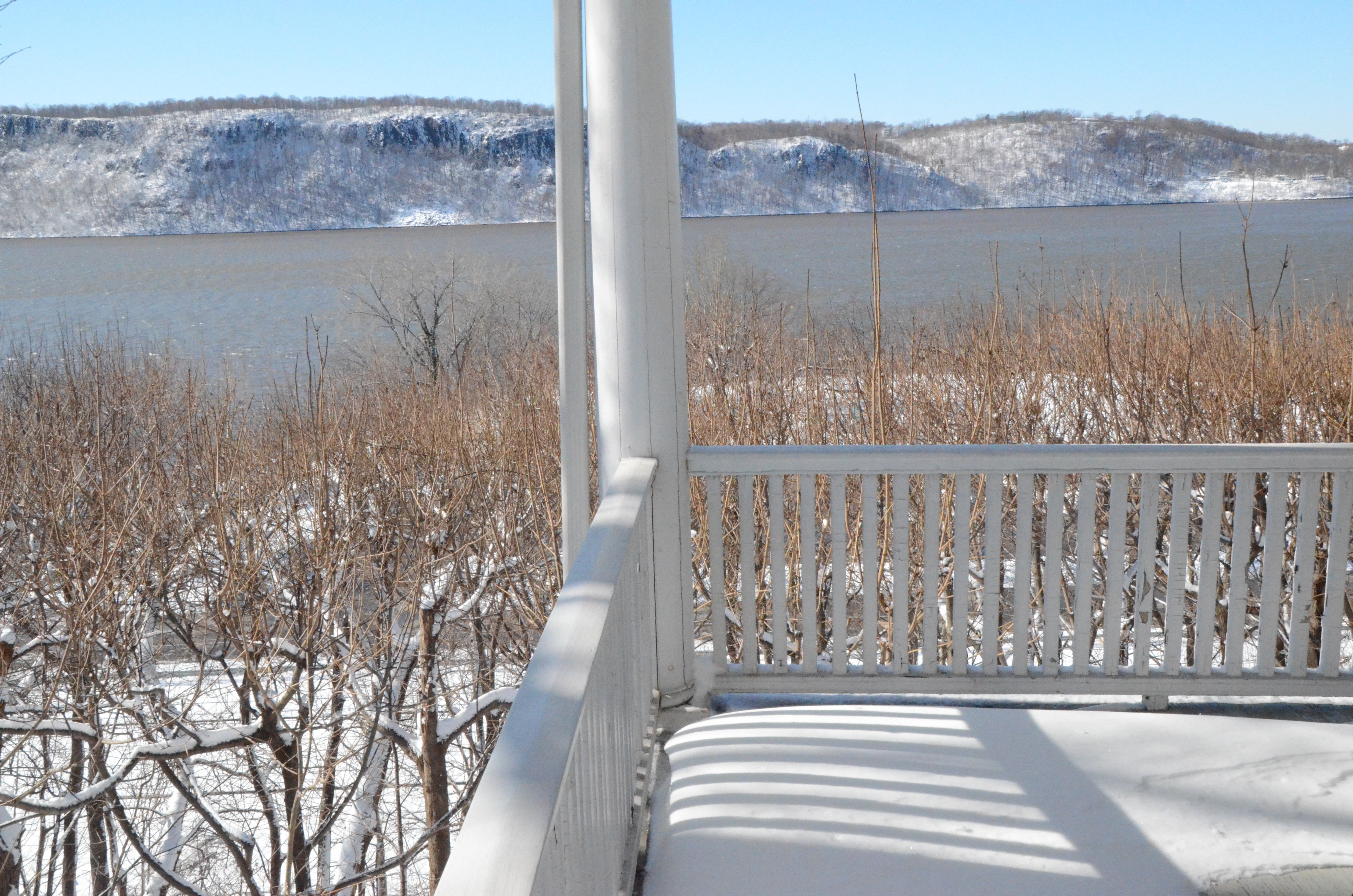 Winter-Palisades- from-Porch